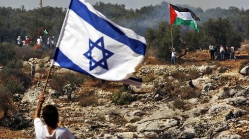 Drapeaux-Israel-Palestine-face-à-face