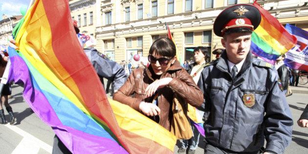 http-_i-huffpost-com_gen_1274185_images_n-les-homosexuels-menacs-pendant-les-jo-2014-628x314
